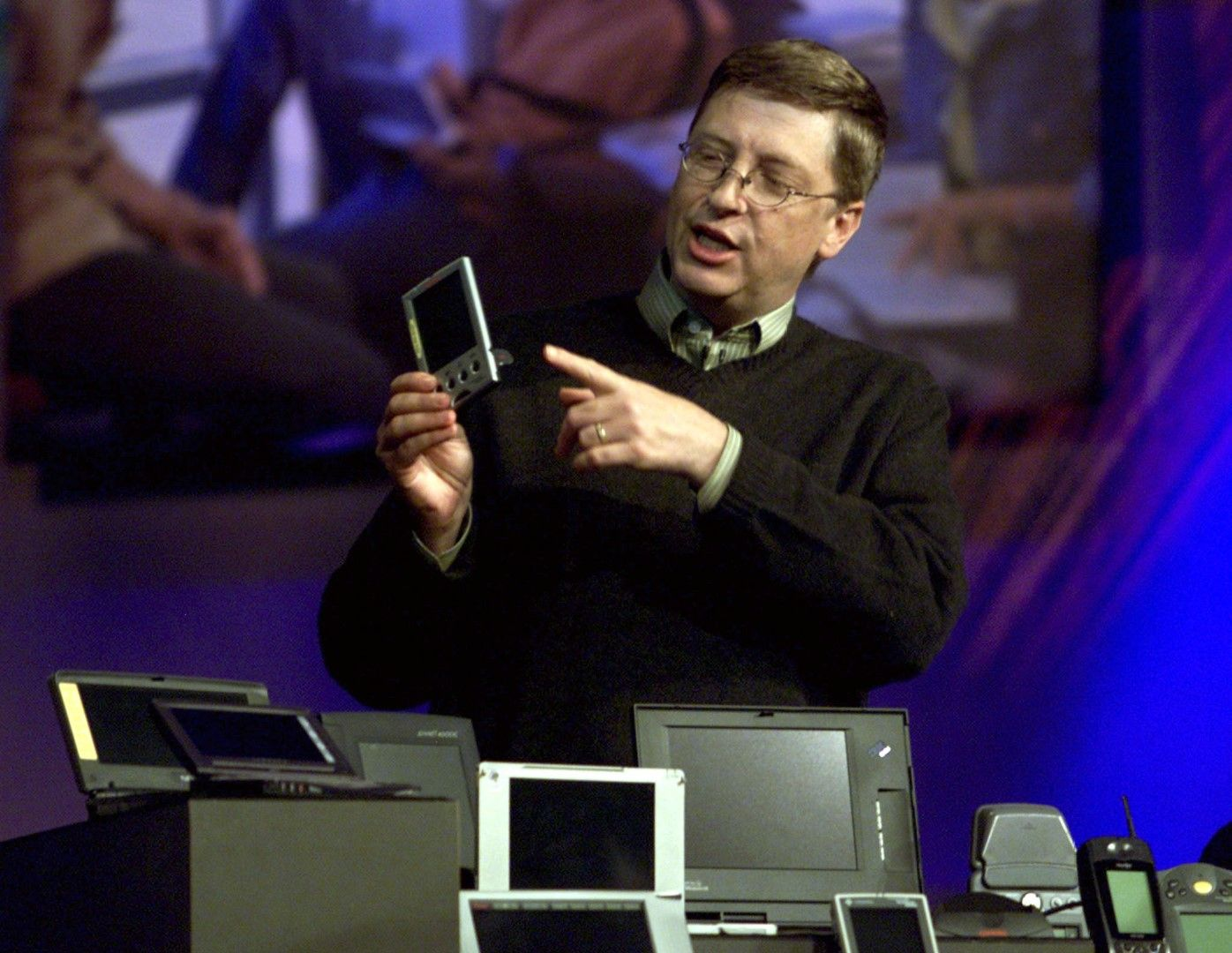 By 2000, Windows CE was powering pocket computers, subnotebooks, tablets and other types of devices.